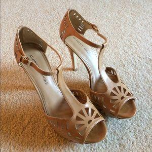 Audrey Brooke high heels....gorgeous!!