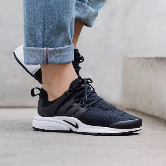newest ea4a9 4257e Women's Nike Air Presto Low Black Sneakers NWT