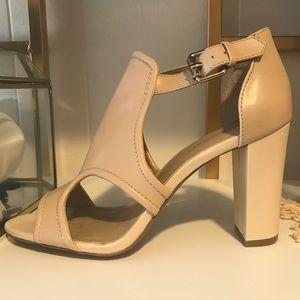 NWOT SOLE SOCIETY Nude Block Heeled Sandals