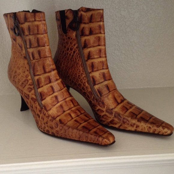 18ad768ab62 Donald J Pliner Croc Embossed Short Leather Boots