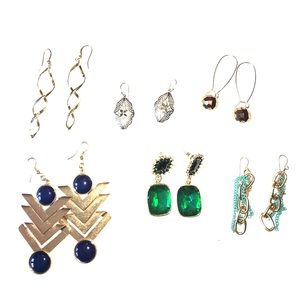 Jewelry - Set of six pairs of earrings