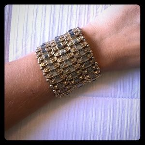 Jewelry - Stretchy gold and silver bracelet