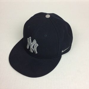 New York Yankees Nike snap back hat