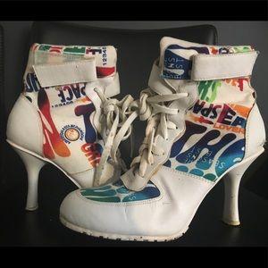 Lace up Sneaker Pump
