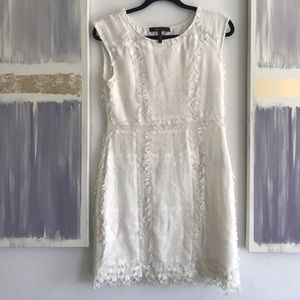 White lace bcbg maxazria cocktail dress