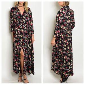Dresses & Skirts - 🌵HP🌵Floral Maxi Dress