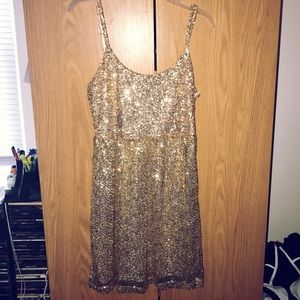 Gold Sequined Sleveless Dress