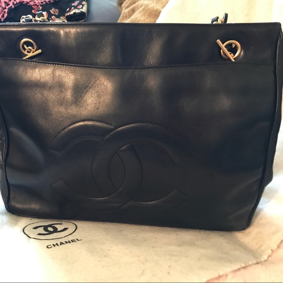 22dc73892689 CHANEL Bags | Gorgeous Lambskin Vintage Black Bag 10x14 | Poshmark