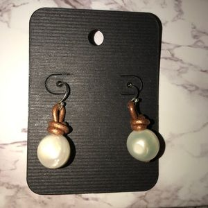 Jewelry - New Pearl Earrings