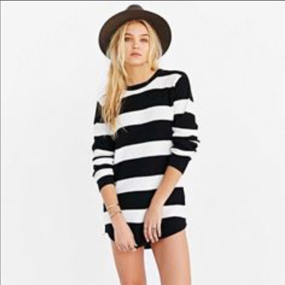 UNIF Urban Outfitters Striped Zip Sweater Size S. M 597fa6d6bf6df5fd19116c4b 8f3acbad7