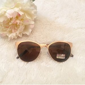 Accessories - NEW Gold Frame Sunglasses