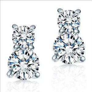 Jewelry - 🎈Sale🎈🔸 New Delicate Silver Zirconia Earrings🔸