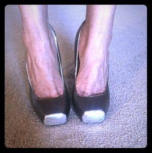 Shoes - Square toe pump