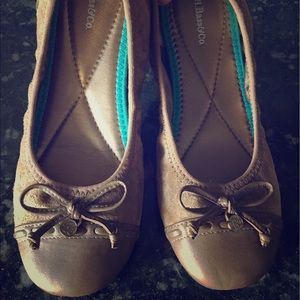 Bass & Co. Leather Brown Flats