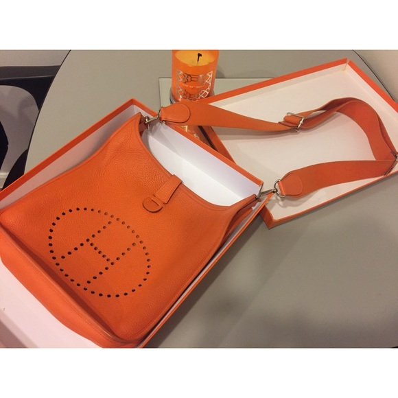 c5f83a613330 HERMÉS Taurillon Clemence Evelyne III 33 GM