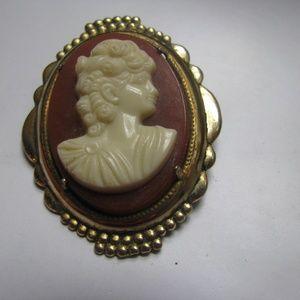 Vintage costume resin cameo brooch