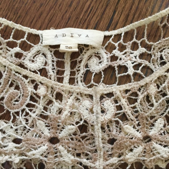 Adiva Tops - Gorgeous Crochet Lace Top! Size PS