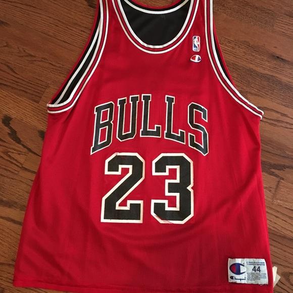 sports shoes 2138b 5e2c8 vintage Champion Bulls Reversible Jersey Jordan 44