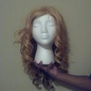 Other - ⚡⚡NEW PRICE Empress Sensationel Blonde Lace Front