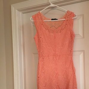 Dresses & Skirts - Peach/coral lace resort dress