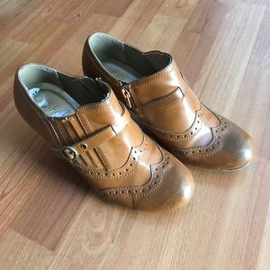 Oxford wingtip booties