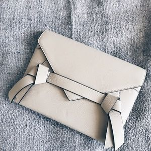 FLASH SALE⚡️BCBG leather clutch