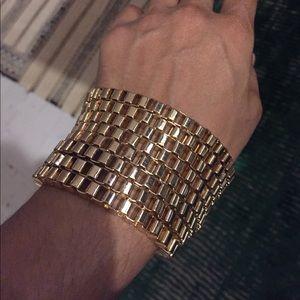 Jewelry - Gold chunky statement bracelet