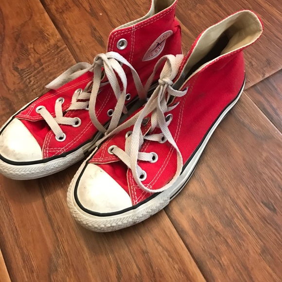 04e334a1c04 Converse Shoes - Lightly used red converse high tops