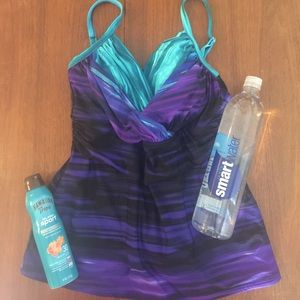 NEW Miraclesuit Slimming Top Size 14