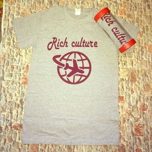 Rich Culture Graphic T-shirt Grey & burgundy