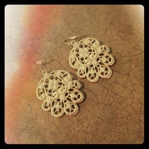 Jewelry - The Limited Gold Earrings