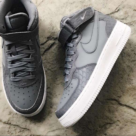 785adbdbc5 Nike Shoes