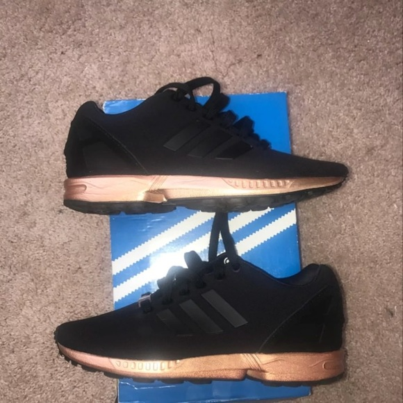 purchase cheap 1b4e0 4a047 Zx Flux Bronze And Black Women's Adidas