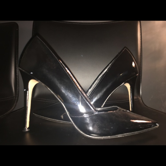Black pointed toe pump Dune size 7
