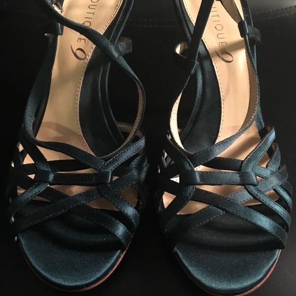 Boutique 9 Green Strappy Pump Size 6