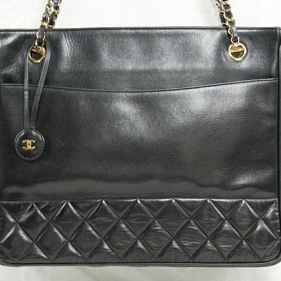 8f4a79ec263b CHANEL Handbags - Vintage Chanel Lambskin Tote bag/Shopper