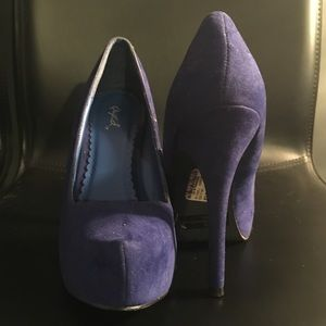 Shoes - Gorgeous Blue suede like high heel Pumps Size 7.5