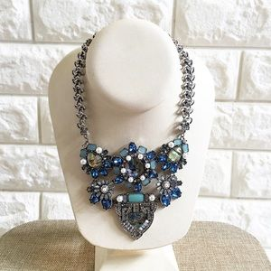Jewelry - Stunning necklace!!