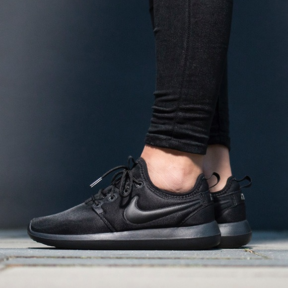 new product 48be0 df243 Women's Nike Roshe Two NEW Triple Black 844931 NWT