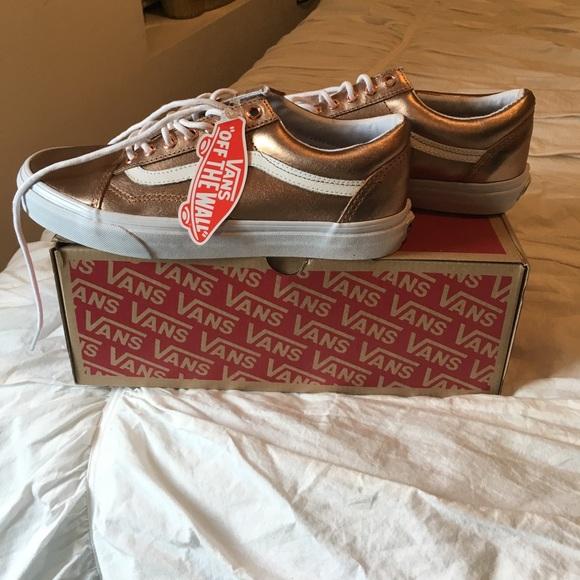 3f292f927b2903 NWT Vans Old Skool rose gold sneakers size 9