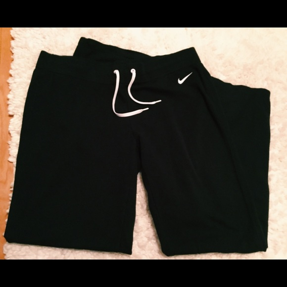 top-rated genuine new specials new design Nike Women's Wide Leg Sweatpants