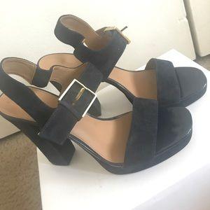 Calvin Klein Block Heels Size 8 Navy Blue