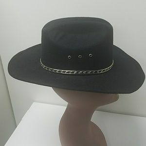 Turner hats Accessories - Turner cowboy hats. Size 6.3   4 33ad2cec44b