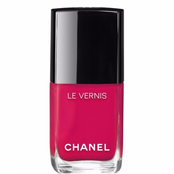 CHANEL Other - LONGWEAR NAIL COLOUR CAMELIA