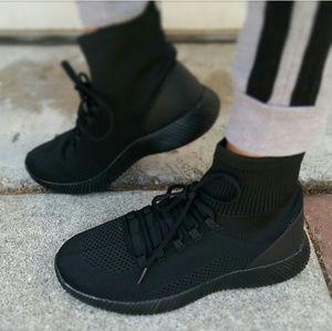 LAST PAIR!!//The Maxine// Black Fly hi top Sneaker