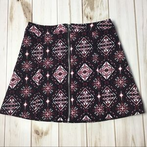 H&M Black and Red Printed Zipper Skirt