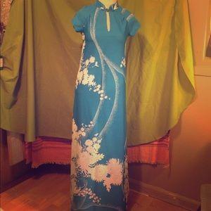 Vintage MALIHINI Hawaiian cheongsam-style dress