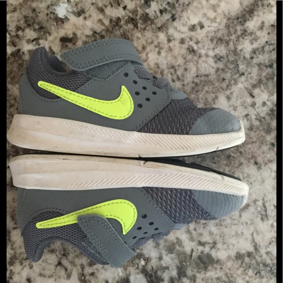 Nike downshifter toddler boys sneaker shoes Velcro