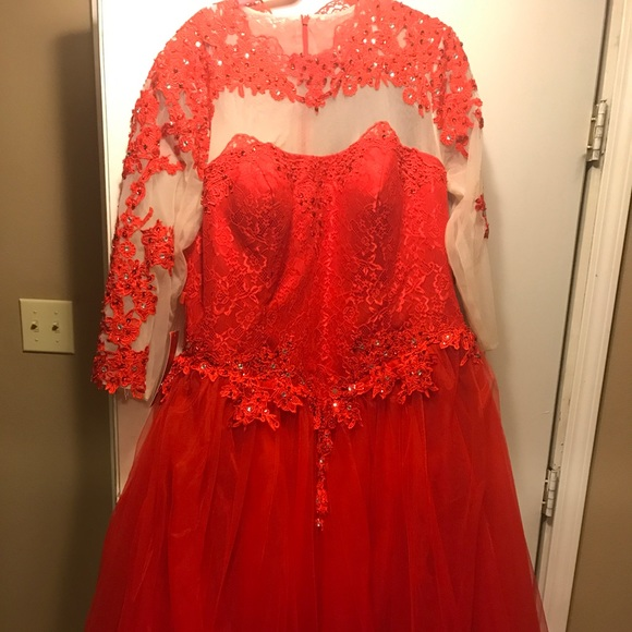 Red mesh flower pattern plus size prom dress
