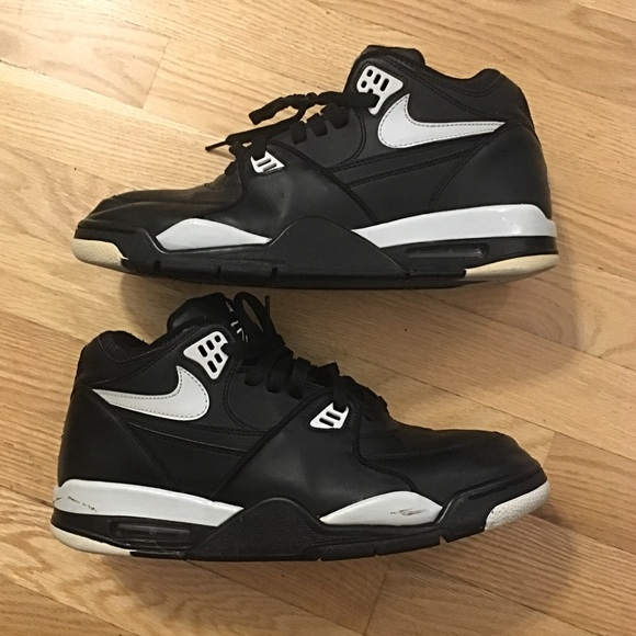 Nike Air Flight 89 men's 11 Basketball shoes USED
